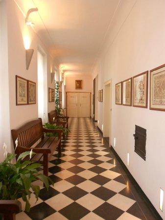 Hotel Monastery: Corridoio