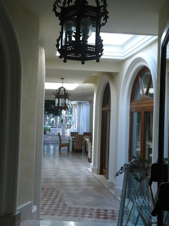 Park Hotel Villaferrata: Couloirs/extérieur