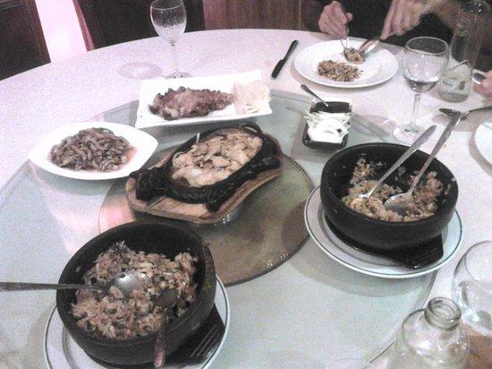 Restaurante Asiatico: Pollo pekin, pollo yuxiang,pollo soja y arroz cazuela