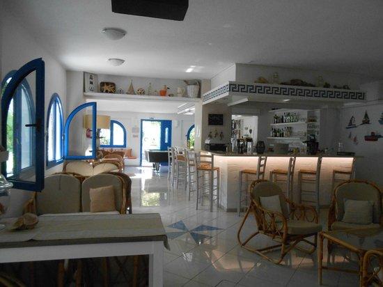 Nathalie Hotel: Bar area