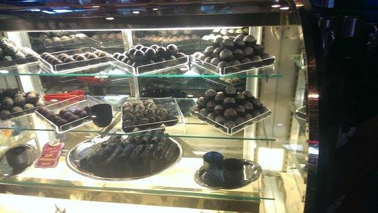 Michaelee's Chocolate Caffe : Hand dipped Chocolates