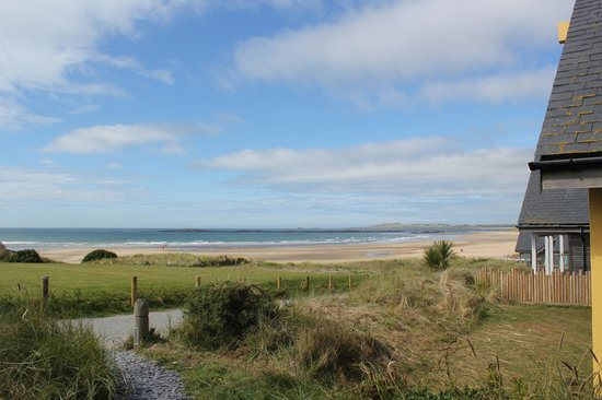 Traeth Crigyll: Beach view from the decking