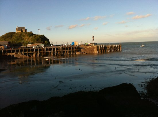 La-Gallerie Bed and Breakfast: Harbour at Ilfracombe and Varity