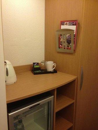 Novotel Birmingham Centre: tea making facilities