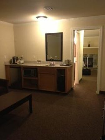 Best Western Wesley Inn & Suites: kitchenette
