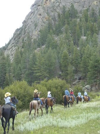 Tarryall River Ranch: riding in the mountains