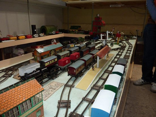 Moseley Museum: 0 Guage layout