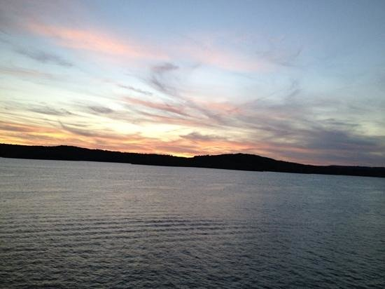 Showboat Branson Belle: watch the sunset on the Branson Belle