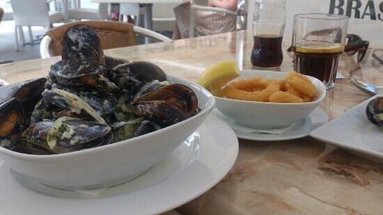 Numero Ocho: lovely mussels