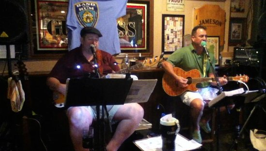 Flynn's Irish Tavern: Live Entertainment