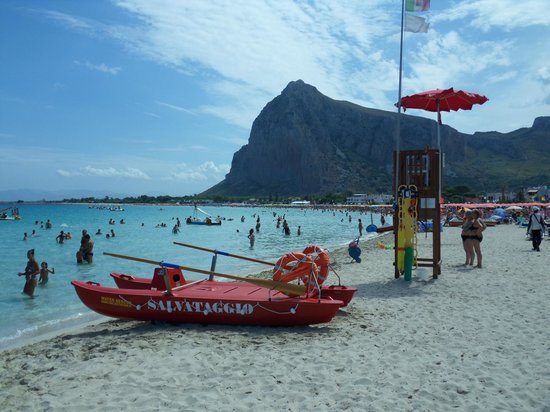 Poseidon Residence : Spiaggia convenzionata