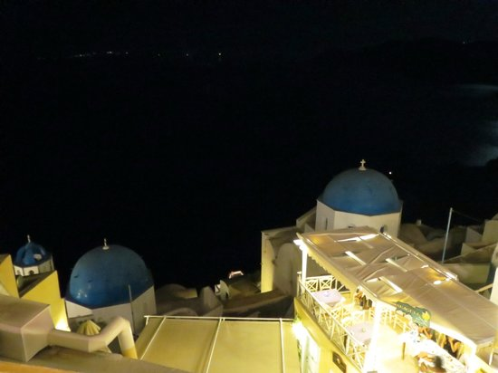 Melenio: The view from teh terrasse by night