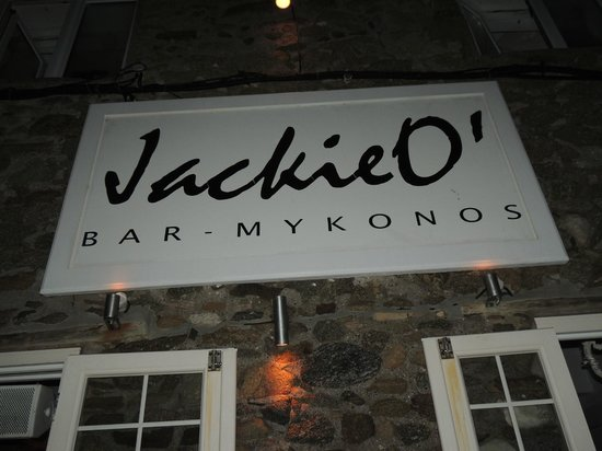 Jackie O' Bar Mykonos: insegna esterna locale