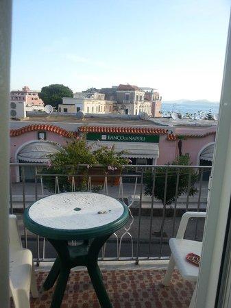 Noris Hotel: camera con balconcino