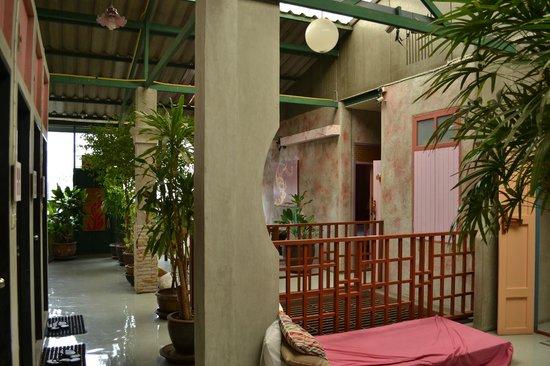 Cozy Bangkok Place Hostel : Espace commun