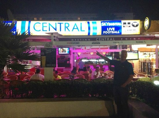 Central bar: The place to be!
