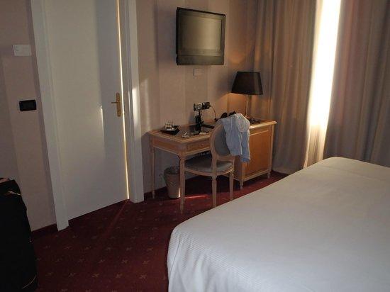 Hotel Diplomat: Room
