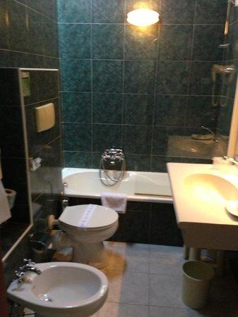 Orologio Hotel Ferrara: bagno