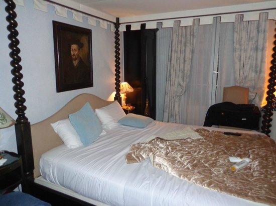 Hôtel Résidence Henri 4: our room