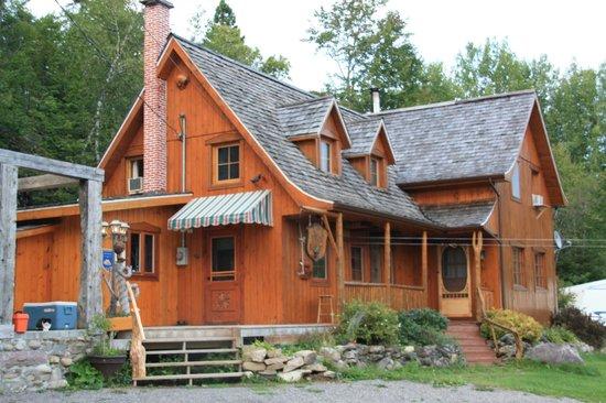 Gite de L'Artisan B&B: Ma cabane au Canada