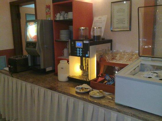 Hotel Menfi: Prima colazione