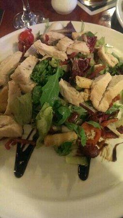 Dyke Neuk: chicken and bacon salad