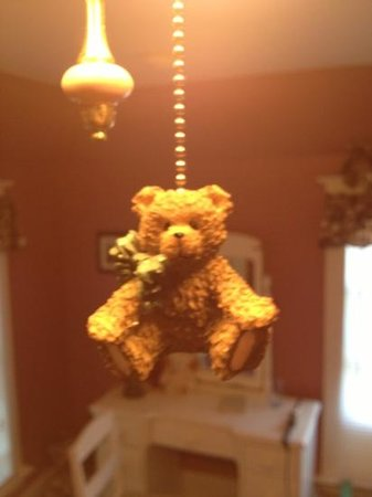 MacDougall House Bed and Breakfast : bears everywhere