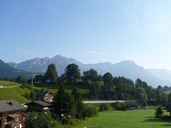 Hotel Gaensleit: blue sky view from the room/balcony on the 3rd floor