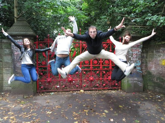 Jackie Spencer - BeatleGuide: Jumping at Strawberry Fields