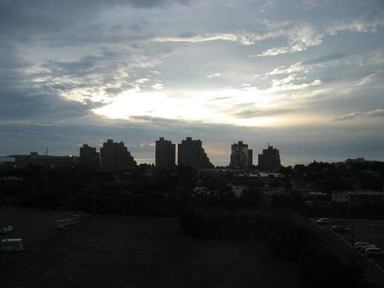 Comfort Inn & Suites Boston Logan International Airport: View from room 833- Revere Beach, Atlantic Ocean
