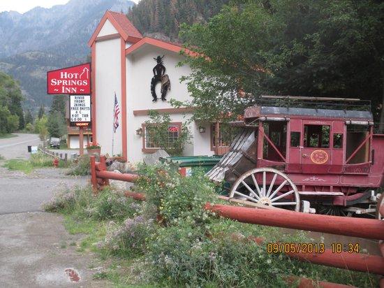Hot Springs Inn : stagecoach