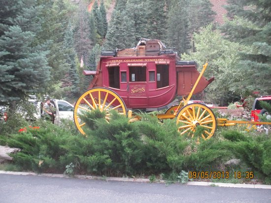 Hot Springs Inn: another stagecoach