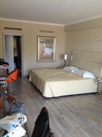 Atrium Platinum Hotel: room