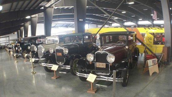 Western Antique Aeroplane & Automobile Museum: Main hanger