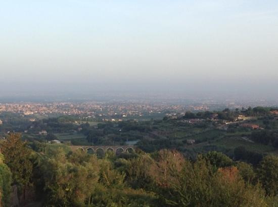 Villa Savoia: вид на Рим с террасы.
