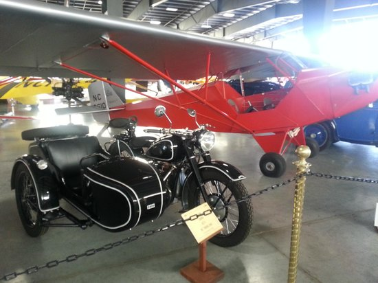 Western Antique Aeroplane & Automobile Museum: In main hanger