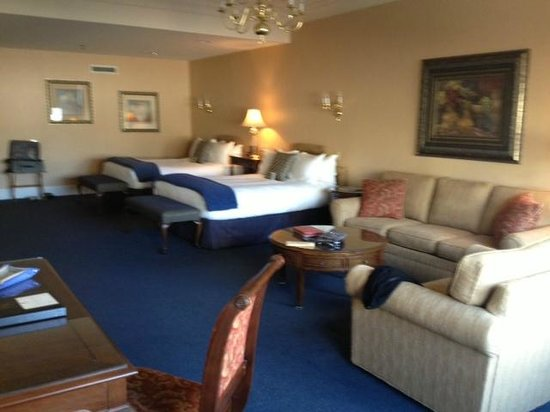 Haywood Park Hotel: Room 209