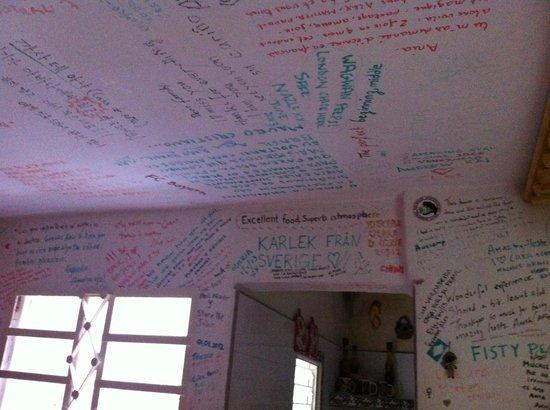 Hostal Casa de Ania: Parede de recados