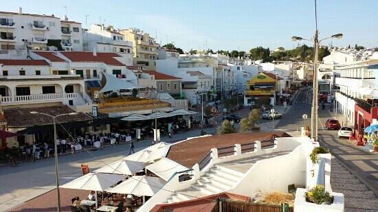 JAN Restaurante: jan heeft de witte parasols