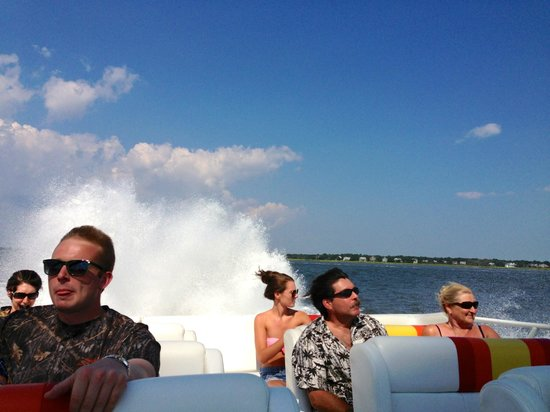 Thriller Charleston - High Speed Tour Boat: Everybody smiling!