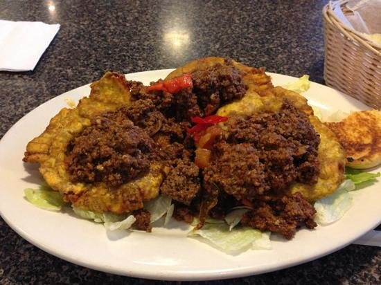 Latin Cafe 2000: tostones rellenos