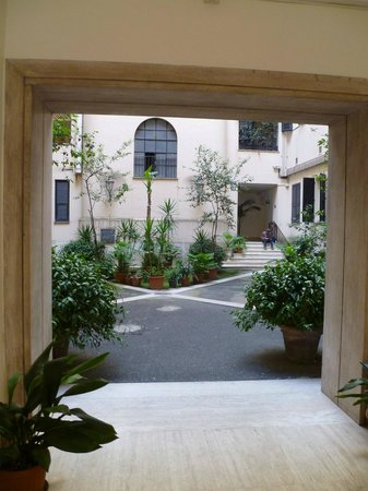 Hotel Alius: The building's courtyard