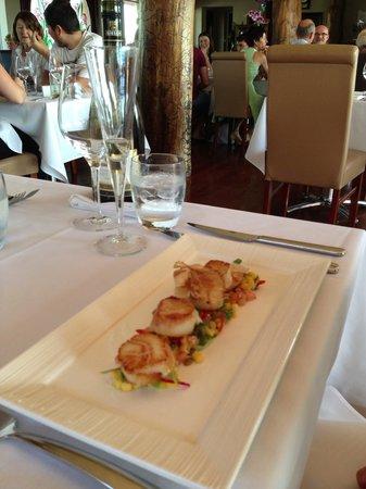 Reserve Restaurant Cellar: Delicious scallops