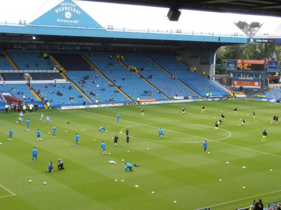 Hillsborough Stadium: 14/09/2013 players warming up