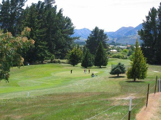 Lake Wanaka Homestay: Local 18 hole Golf Course