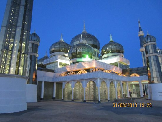 Crystal Mosque: The Mosque at night