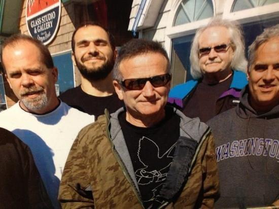 Gracie's Sea Hag : Robin Williams is a patron!