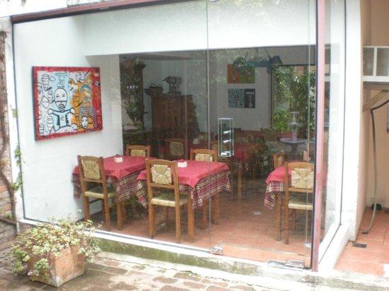 Hotel posada Manuel de lobo : comedor desde el patio