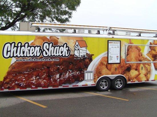 Chicken Shack: Catering trailer.