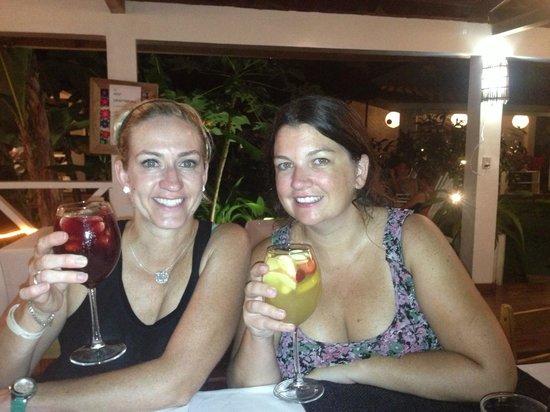 Budda Cafe: Our yummy Sangria!